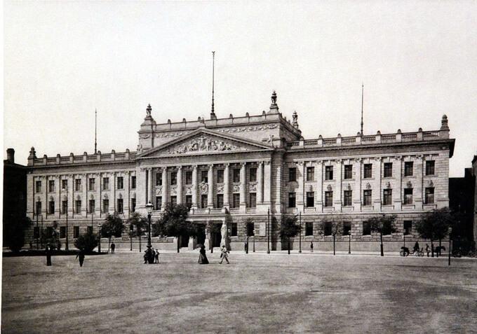 Altes Augusteum der Universität am Augustusplatz, 1898